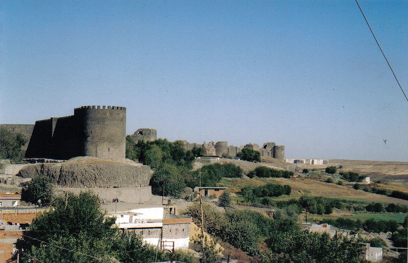 "The city walls of Diyarbakir in Southeastern Turkey stretch almost unbroken for 6 kilometres. The current walls were built by Constantius II when the city was called Roman ""Amida"", and extended by Valentinian I between 367-375 AD. Photo by Gerry Lynch, 2003."